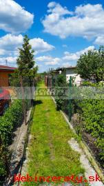 RK-GRAFT ponúka záhradu s chatkou Žabí