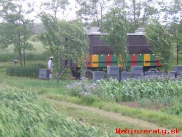 Kočovný voz v perfektom stave s 28 včels