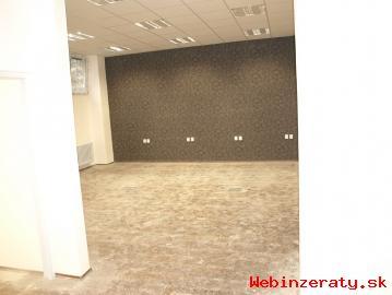 Obchodné priestory - prenájom-Centrum PB