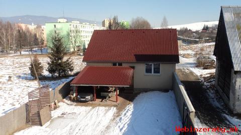 Dvojgeneračný dom s autodielňou v Detve