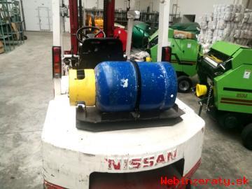 Vysokozdvižný vozík NISSAN 30 benzín/LPG