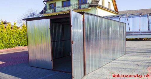 Plechová garáž s dvojkrídlovou bránou