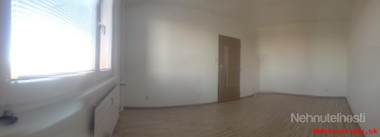 1-izbový nezariadený byt v centre Levíc