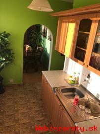 Na predaj 3-izbový byt v Trstenej