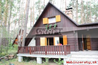 Ponukám veľmi peknú chatu pri jazere /