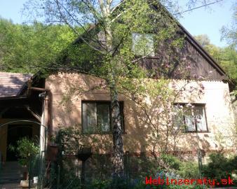 Ponúkame na predaj obývaný vidiecky dom