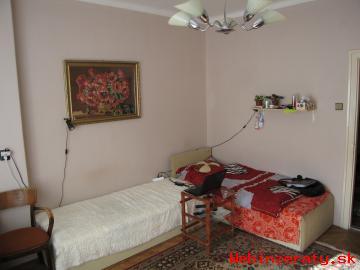 Prenajom v rodinnom dome, samostatny byt