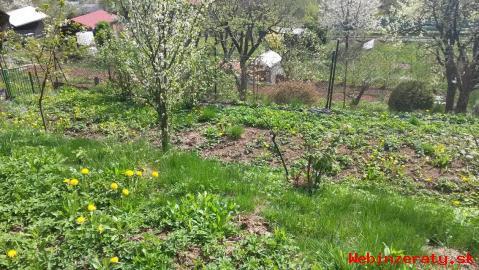 Záhradná chatka a záhrada predaj- Zilina