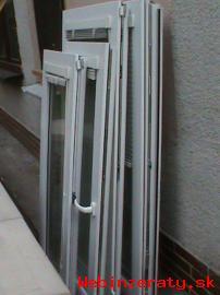 Demontované biele plastové okná