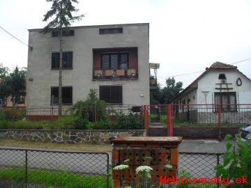 Znižena cena rodinny dom,1300m2 pozemok