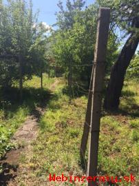 záhrada s drevenou chatkou-Trnávka