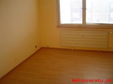 Výhodne predám 1-izbový byt v Lučenci!!!