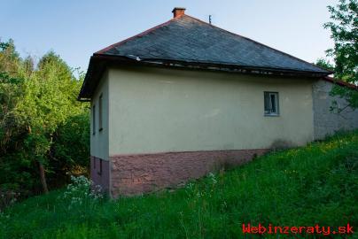 Dom na polosamote