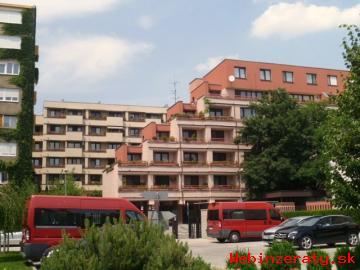 Prenájom 4-izb.  byt a garáž Staré Mesto