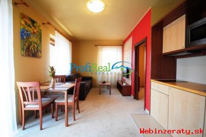 Zariadený apartmánový byt vo V.  Lomnici