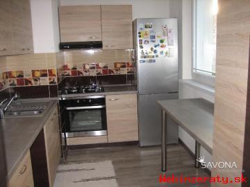 Moderne zariadený 3i byt s balkónom, 68