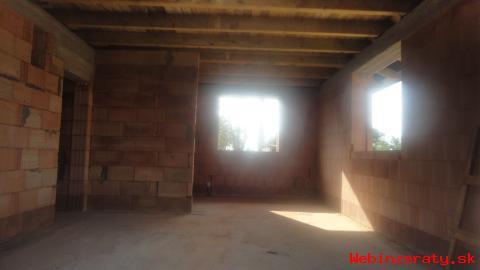 Na predaj hruba stavba 4 - izbového bung
