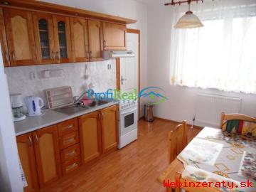 Zariadený 2-izbový byt v Novej Lesnej