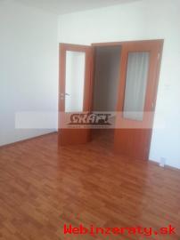 3-izb. byt Hlaváčikova ul.  - Karlova Ve