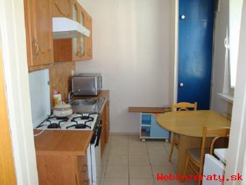 4 - izbový byt na prenájom - SNP, PB