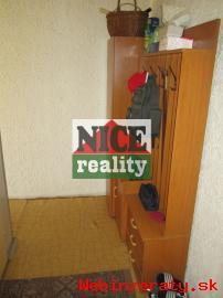 1 izbový byt k okamžitému nastahovaniu b