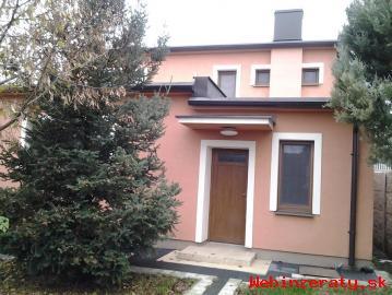 Predam rodinny dom,v obci Topoľnica-GA