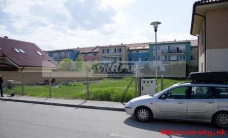 Lukratívny stavebný pozemok 555 m2 Za m