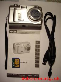 Digitálny fotoaparát.