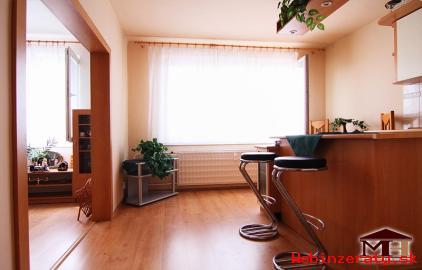 Predaj pekný 1-izbový byt DUDINCE
