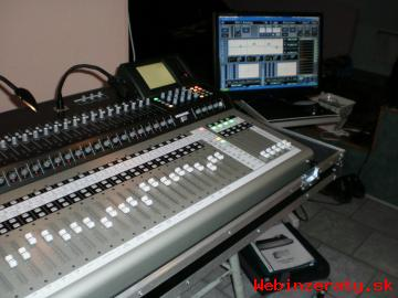 SELLING :Yamaha Tyros 5 Workstation,Mack