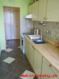 Predaj 4-izbový byt v Lučenci
