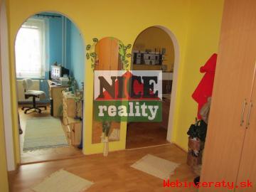 Kompletne zaujímavo zrekonštruovaný byt