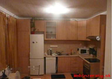 3-izb. byt Čečinová ul. -Ružinov