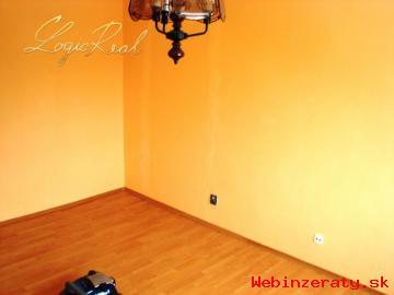 ZNÍŽENÁ CENA 1 izbový byt po rekonštrukc