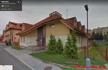 Polyfunkčný objekt v meste Krupina.