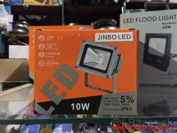 LED reflektor 10W/ najlepší pomer kvalit