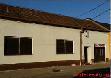 Ponúkame na predaj starý RD v Trnave.
