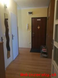 4-izb.  byt Vážska ul. -Vrakuňa