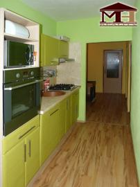 Pekný zrekonštruovaný 4-izbový byt Krupi