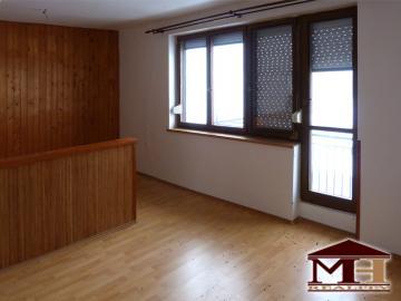 Zrekonštruovaný 2-izbový byt s balkónom