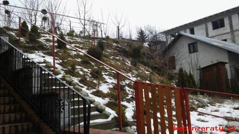 Stavebný pozemok s garážou Tvrdošín