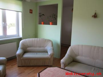 Nadrozmerný pekný 3 izbový byt v Haliči