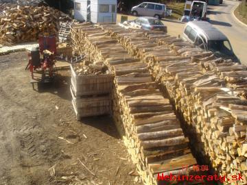 Predaj palivového dreva.
