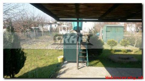 RK-GRAFT ponúkame záhradu s chatkou