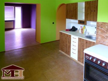 Predaj pekný  2-izbový byt s balkónom